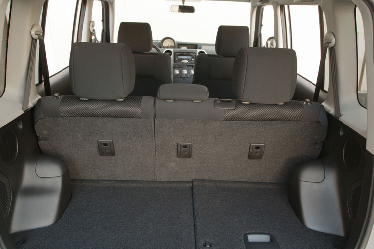 2006 Scion Xb Trunk Picture Pic Image