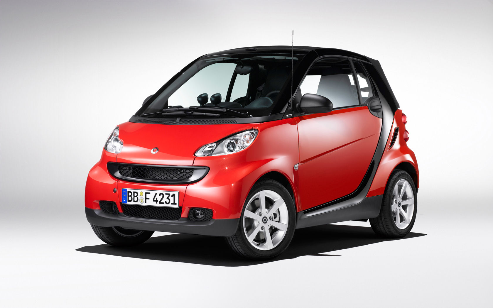 smart fortwo coupe cabrio free widescreen wallpaper desktop background picture. Black Bedroom Furniture Sets. Home Design Ideas