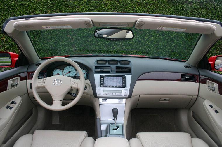2005 Toyota Camry Solara SLE Cockpit Picture