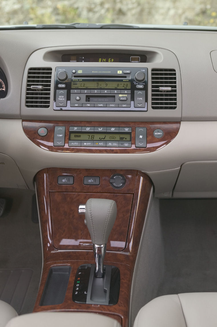 2006 Toyota Camry Xle Center Console Picture Pic Image