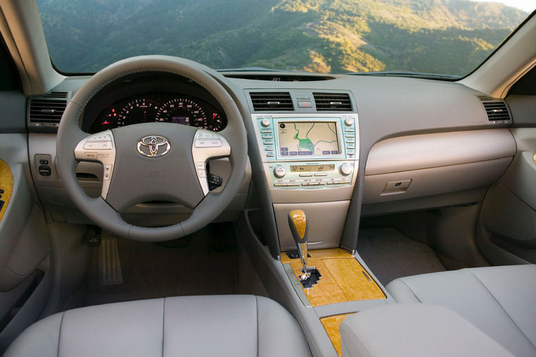 Good 2008 Toyota Camry XLE Cockpit Picture