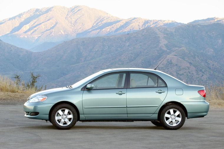 Amazing 2005 Toyota Corolla LE Picture