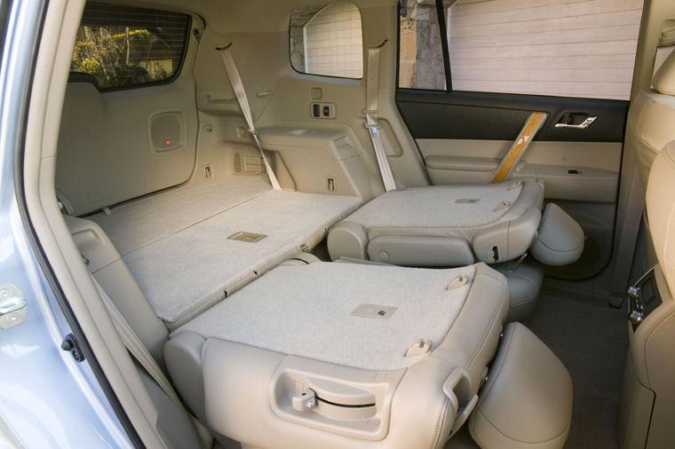 2008 toyota highlander rear seats folded picture pic. Black Bedroom Furniture Sets. Home Design Ideas