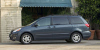 2009 Toyota Sienna Pictures