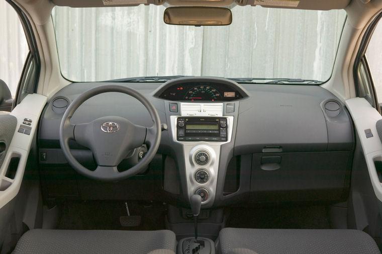 2007 Toyota Yaris Hatchback Cockpit Picture
