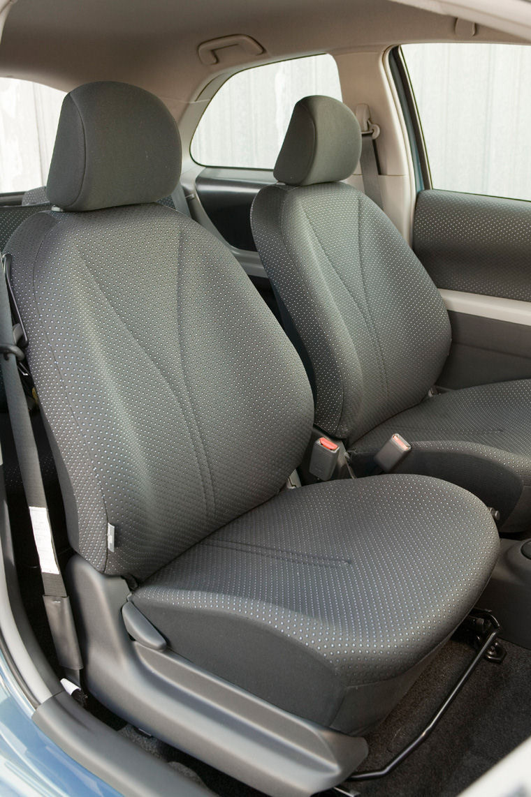 2008 Toyota Yaris Hatchback Interior Picture Pic Image