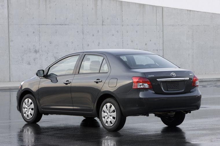 2010 Toyota Yaris Sedan Picture Pic Image