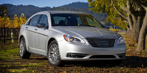 Chrysler 200 Reviews / Specs / Pictures