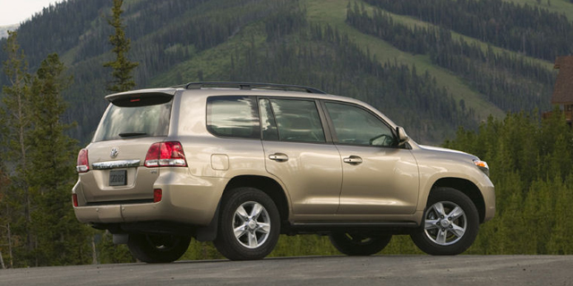 2010 Toyota Land Cruiser Pictures
