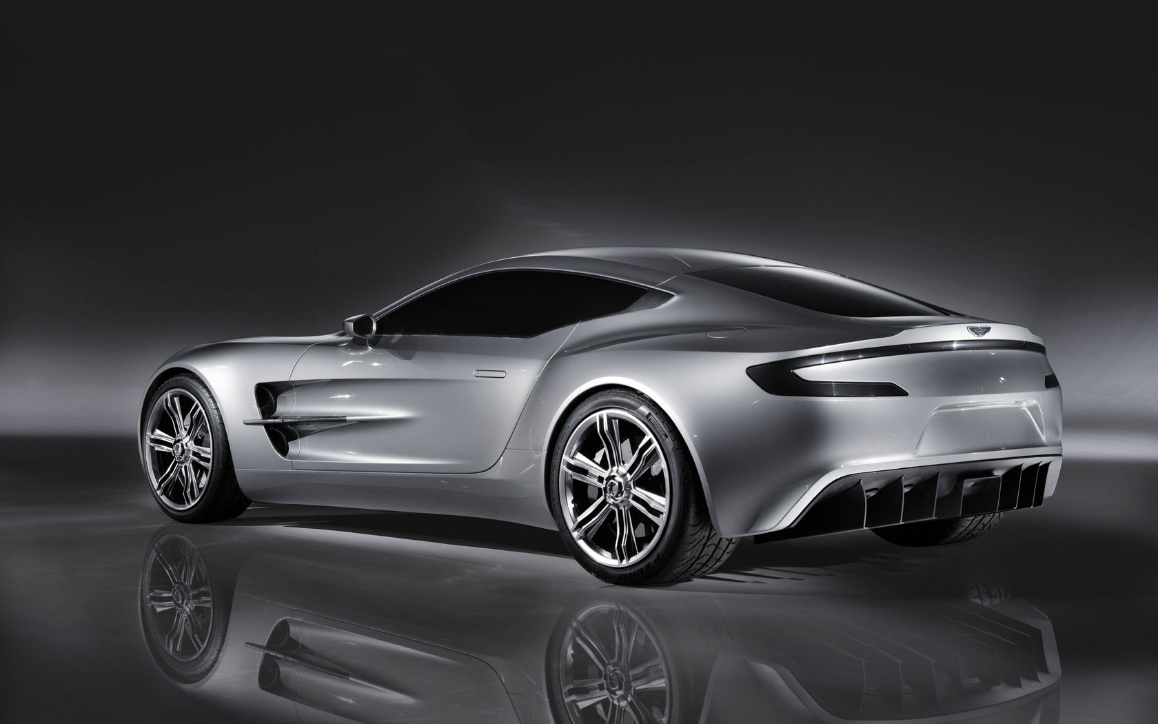 Aston Martin One 77 Free Widescreen Wallpaper Desktop