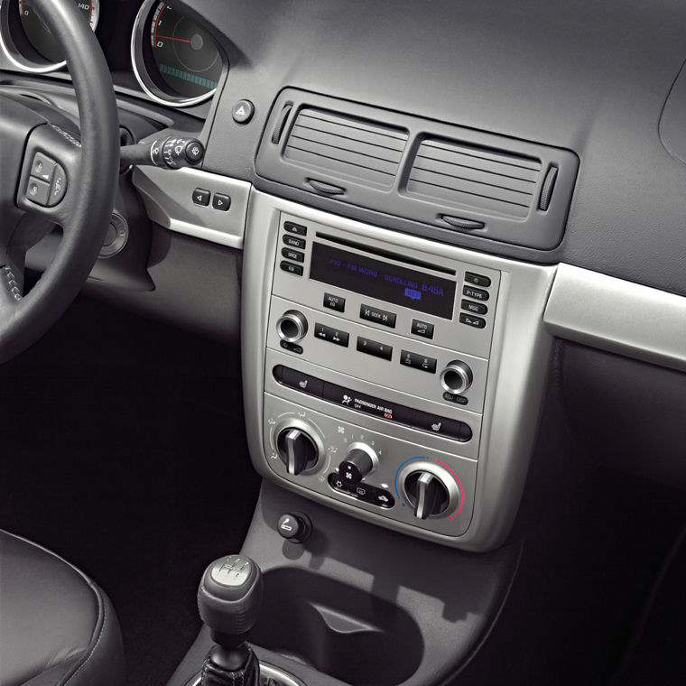 2005 Chevrolet (Chevy) Cobalt SS Supercharged Center Dash - Picture / Pic / Image