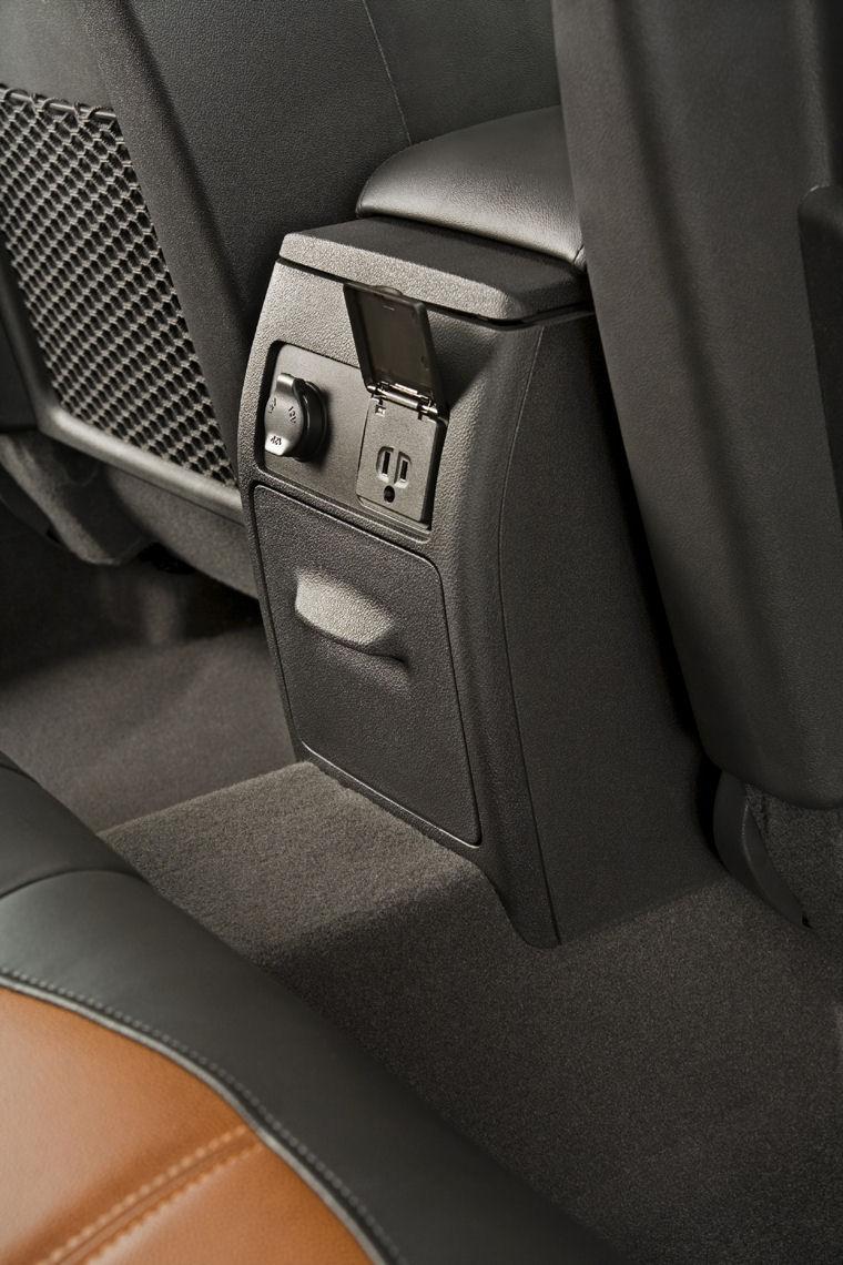 2009 Chevrolet (Chevy) Malibu LTZ Interior - Picture / Pic / Image
