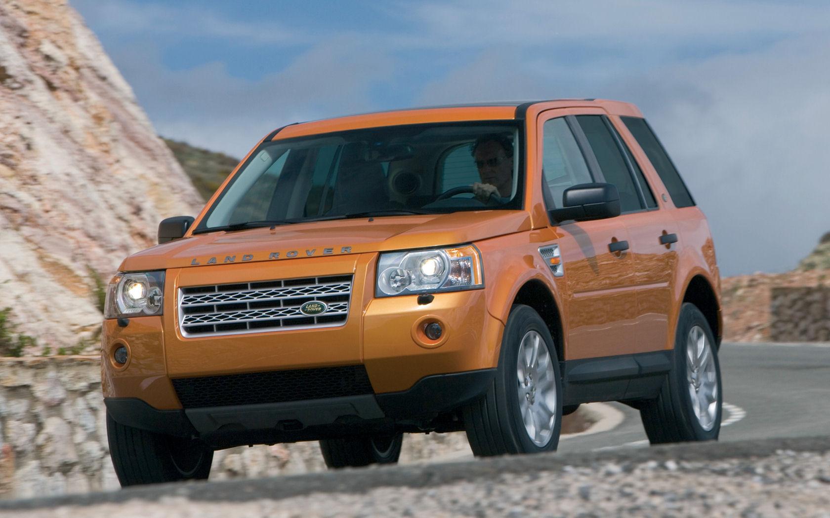 Land Rover LR2 HSE AWD, HST - Free Widescreen Wallpaper ...
