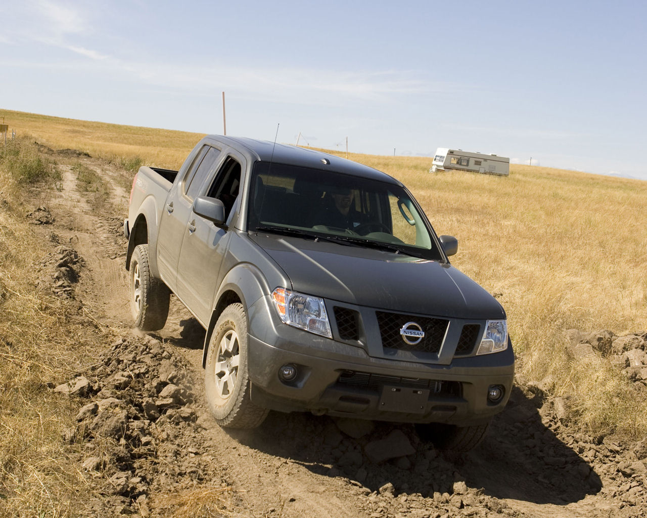 Nissan Frontier SE, LE, King & Crew Cab, AWD - Free ...
